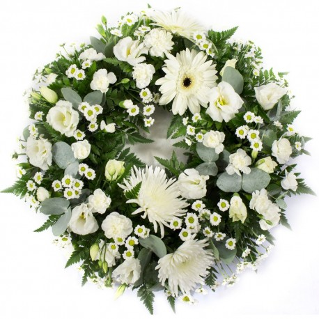Classic Wreath in White